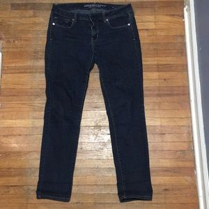 Like new, American Eagle Skinny Jeans Size 8